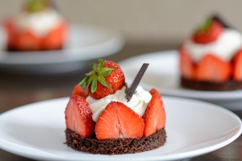 Erdbeer-Brownie-Törtchen_1